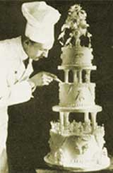 Birger Møllhausen laga kaka til bryllaupet i 1929. Foto: Møllhausen