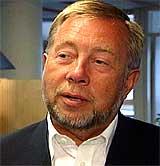 - Vi er tilbake i normal drift mandag, tror vi, sier konsernsjef Bjørn Trondsen i EDB Fellesdata. (Foto: NRK)