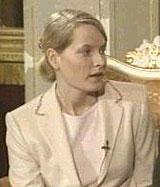 Mette-Marit skal kjøre til vielsen i kong Olavs gamle Cadillac De Ville. (NRK-foto)