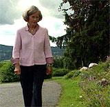Datteren har påtatt seg et veldig stort ansvar, påpeker moren Marit Tjessem. (Foto: Petter Olden - NRK)