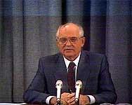 Mikhail Gorbatsjov mener Valdimir Putin må bli mer autoritær. (Arkivfoto)