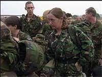 I Makedonia ankommer det nå stadig flere NATO-soldater.