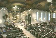 Kirken var vakkert pyntet.