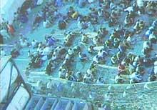 """Situasjonen for flyktningene på """"Tampa"""" forverres gradvis."""