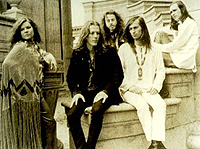 Janis Joplin (t.v.) og bandet Big Brother and the Holding Company.