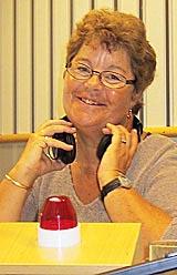 Margrethe Holt inviterer til hodebry – nå både tidlig på lørdags morgener og litt senere på dagen. (Foto: NRK/Jon-Annar Fordal)