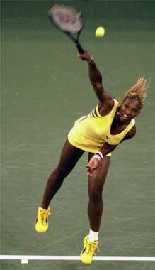 Serena måtte se seg slått av storesøster, men fikk likevel med seg 3,75 millioner kroner i 2. premie. (Foto: AP)