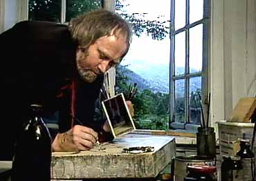 Oddvar Torsheim i arbeid heime. (Foto: Terje Dahle, NRK 1987)