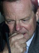BEKYMRET: Kværner kommer til å gå konkurs hvis ikke generalforsamlingen i selskapet vedtar redningsplanen for konsernet om en uke, mener Kværners styreformann Harald Arnkværn.