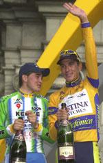 Angelo Casero (til høyre) slo Oscar Sevilla på siste etappe