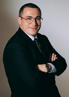 VIL REDDE KVÆRNER: Russiske Yukos, med konsernsjef Mikahil B. Khodorkovski i spissen, har annonserte en redningsplan for konkurstruede Kværner.