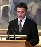 Stoltenberg og partiledelsen vurderte om de alle skulle trekke seg etter valgnederlaget.