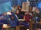 Demonstrerende elever i formannskapssalen klarte ikke å hindre oppvekstkomiteens vedtak.