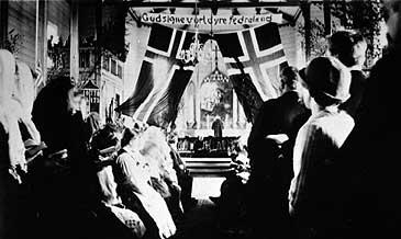 Askvoll kyrkje 17. mai 1914. (Foto: © Fylkesarkivet)