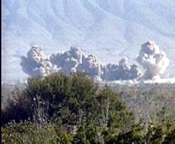 USA fortsatte i dag med voldsomme bombeangrep mot Talibans stillinger.
