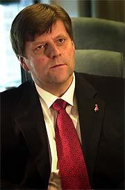 Næringsminister Ansgar Gabrielsen har gjort ein altfor dårleg jobb, meiner Teknologibedriftenes Landsforening.