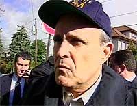 Ifølge New Yorks borgermester Rudolf Giuliani er det to krasjsteder etter ulykken. (Foto: EBU)