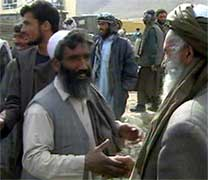 Glade afghanere i gatene i Kabul i formiddag (foto: EBU).