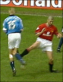 Et av Roy Keanes lavmål i karrieren var da han sparket i stykker Alf Inge Hålands kne.