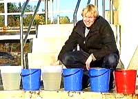 Så mange bøtter vann har Ole i kroppen!