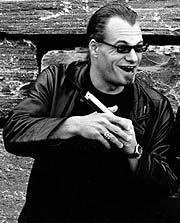 Kjell Inge Brovoll mener platebransjen bør sette inn et hardere støt i forhold til blues.