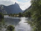 Rauma er en av elvene der det ventes flom. Foto: NRK.