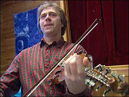 Sigmund Eikås er sjølv folkemusikar.