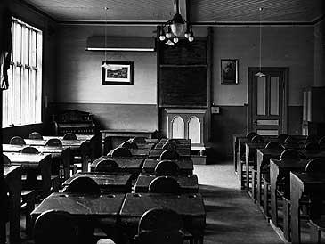 Klasserom på Fjordane Folkehøgskule på Tingvoll. Bygningen brann ned i 1972. (©Fylkesarkivet)