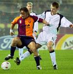 Hamann her i kamp med Romas Totti kan være på vei til Bayern München igjen.