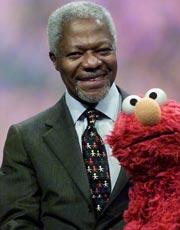 På søndag kommer Kofi Annan til Norge. (Foto: EPA PHOTO AFPI/DON EMMERT).