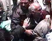 Sørgende palestinere i Gaza (foto: EBU).