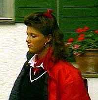 Märtha Louise på vei til Kristelig Gymnasium. (Foto: NRK)