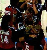 De norske håndballjentene jublet etter at seieren var et faktum.