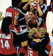 Norge vant håndballthrilleren mot Jugoslavia og møter Russland i finalen.