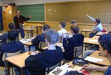 Undervisning ved Førde ungdomsskule. (Foto: NRK)
