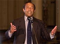 Provinsguvernør Adolfo Rodriguez Saa blir mannen som skal forsøke å få Argentina ut av den økonomiske krisen. (Foto: AP)