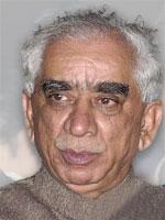Indias utenriksminister Jaswant Singh orienterte pressen om tiltak landet tar mot Pakistan. (Foto: Scanpix)