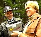Ole er ute med onkel politi forå fakke noen råkjørere!