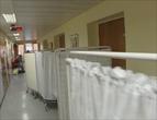 Det er ofte trangt på sjukehusa.