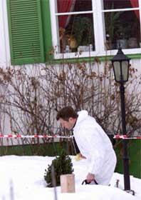Fra etterforskningen av trippeldrapet på Geilo (Foto: Scanpix/Morten Holm)