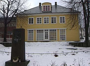 Det gamle posthuset i Høyanger.
