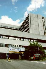 Noregs mållag mener at statlige institusjoner saboterer navnebytte til nynorsk, og Haukeland sykehus er et eksempel.