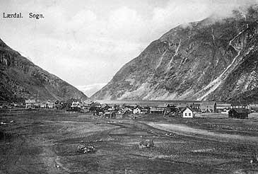 Lærdalsøyri kring 1900. (Foto © Fylkesarkivet)