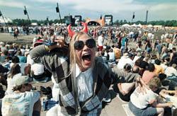 Festivalene ønsker at folk skal hygge seg og ikke bli utsatt for fare.