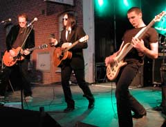 The Silvertongued Devils består av Svein M. Haakonsen på Gitar og vokal, Lars H. Holm på bass, Bjørn A. Fjellhaug på trommer, Stig Enger på Gitar og vokal og Erik Erstad på orgel.
