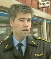 Politiinspektør Atle Roll-Matthiesen bekrefter at det forelå flere anmeldelser på hundeeieren. (Foto: NRK)