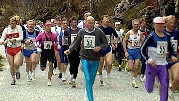 Maratonløpet Rett Vest 1993. (Foto: Per Johan Grue, NRK)