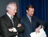 Robert Keith (t.v.) og Thomas Fussel har tapt nesten en halv milliard kroner på Opticom-aksjer.
