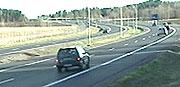 Nye E 18 i nordre Vestfold bør være mal for bredden på veien i søndre del av fylket, mener mange. Foto: NRK.
