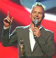 Sting mottok prisen Outstandig Contribution Award på Brit Awards. (Foto: AP Photo / PA, Yui Mok).